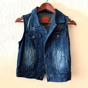 Red Tulips Jackets & Coats - Red Tulips Dark Blue Denim Vest Size Small